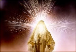 transfiguratie aangezicht stralend als de zon en bovenklederen glanzend als het licht